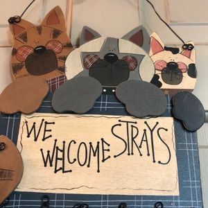 New in Box Hand Painted Pet Lovers Sign